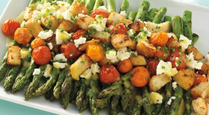 Image of Asparagus and Tomato Salad with Feta