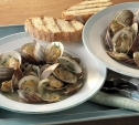 Image of White Wine and Garlic Steamed Clams